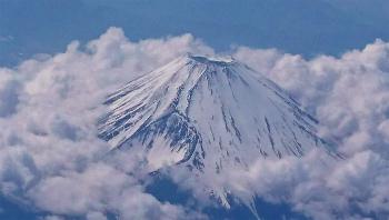 飛行機からの富士山.jpg